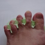 足の指を開く器具 (水虫対策)